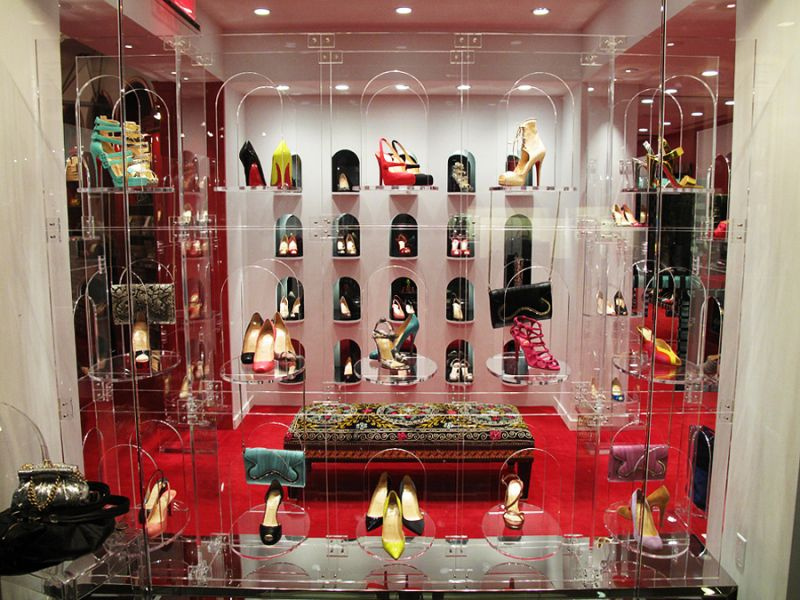 christian louboutin magasin